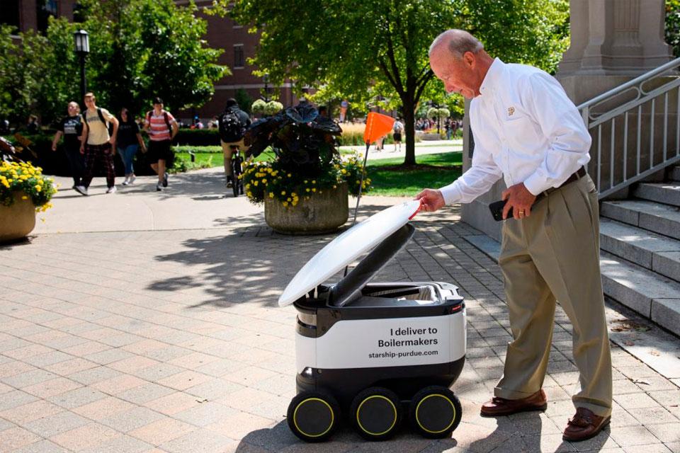 Empresa europeia testa delivery com robôs para driblar coronavírus