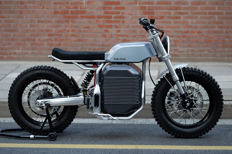 Moto elétrica inspirada no Cybertruck vai de 0 a 100 km/h em 3,2s