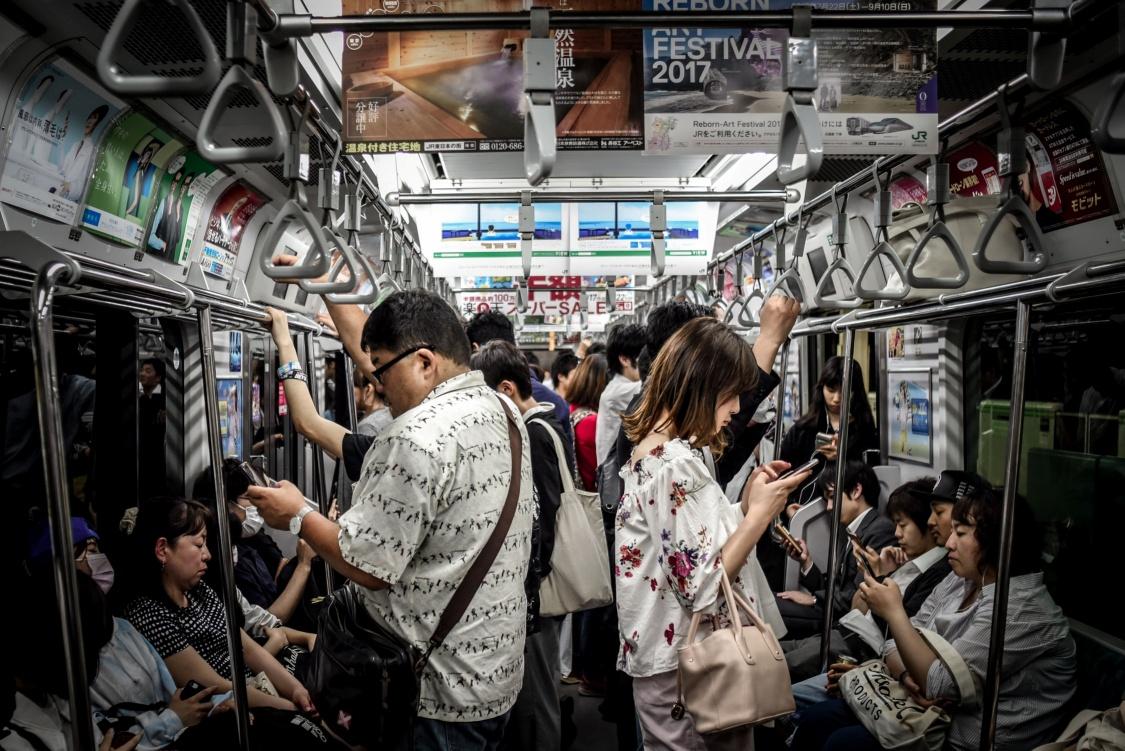 As redes móveis fazem cada vez mais parte do nosso cotidiano. (Fonte: Unsplash/Hugh Han/Reprodução)