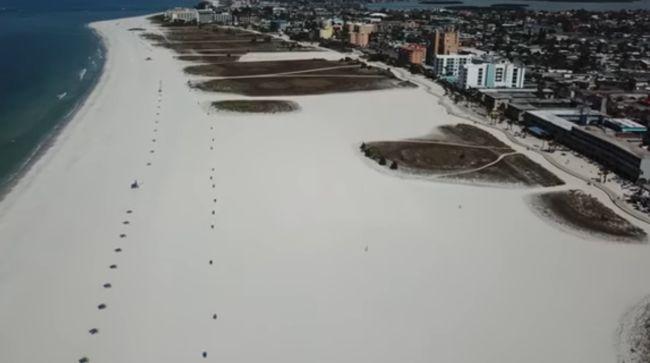 As praias da Flórida também ficaram vazias.