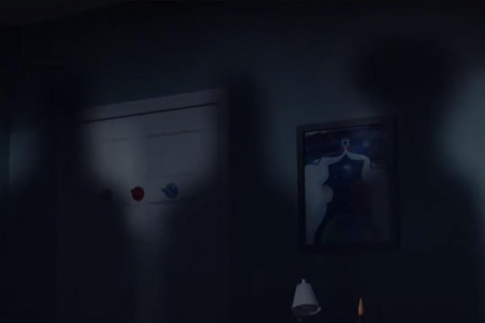 Aparições das 3 silhuetas misteriosas, no quarto de Cal