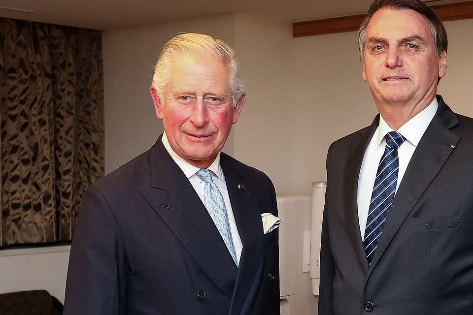 Príncipe Charles testa positivo para coronavírus