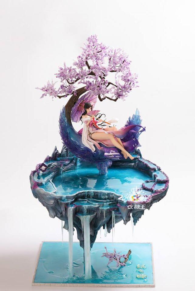 Escultura feita por Zhou YI inspirada em uma personagem de anime