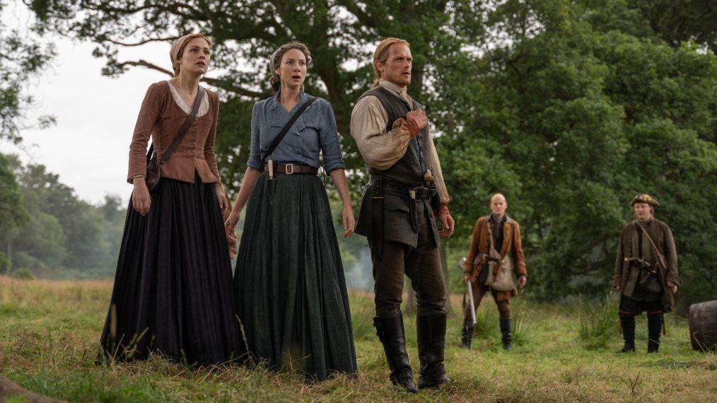 Bree (Sophie Skelton), Claire (Caitriona Balfe) e Jamie (Sam Heughan) permanecem juntas como a unidade da família Fraser (Fonte: Starz/Reprodução)