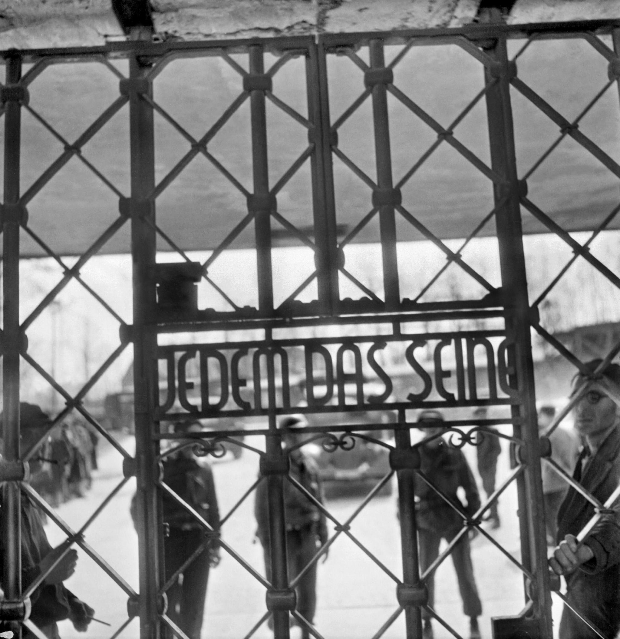 Os portões do campo de concentração de Buchenwald