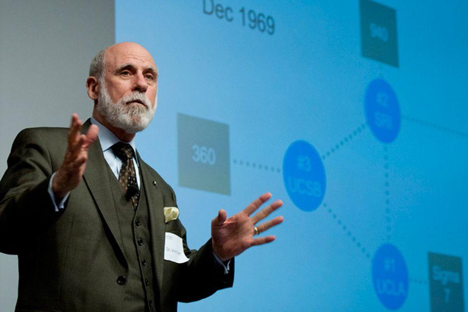 Vint Cerf, pioneiro da internet, testa positivo para a covid-19