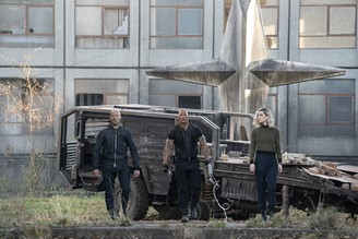 Jason Statham, Dwayne Johnson and Vanessa Kirby in 'Hobbs & Shaw'