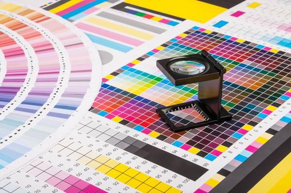 Curso de design gráfico completo com ferramentas Adobe.