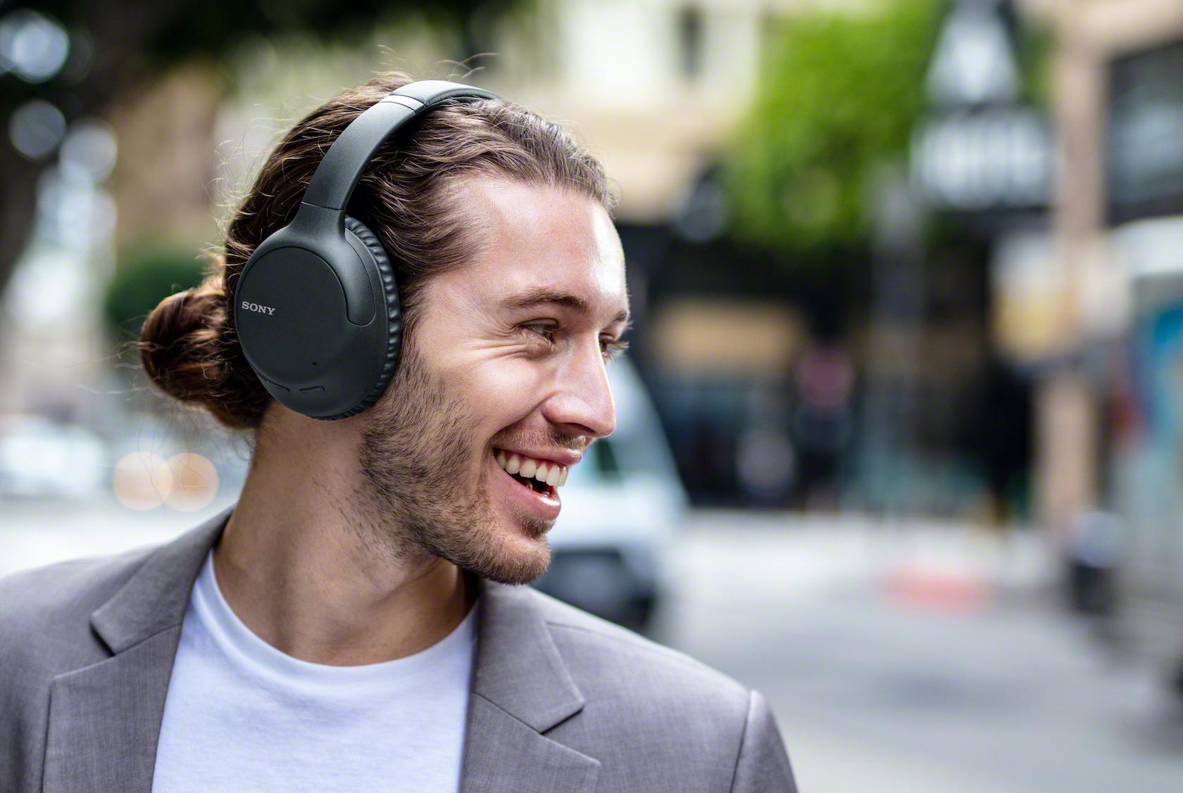 Sony lança novo fone com cancelamento de ruído por US$ 200