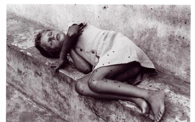 Coberto por moscas, o garoto deu impressão de estar morto ao fotógrafo Napoleão Xavier