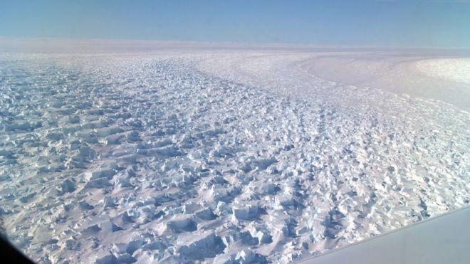 Vista aérea do glaciar Denman