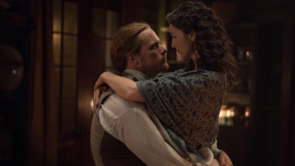 Claire (Caitriona Balfe) e Jamie (Sam Heughan) em um momento mais tranquilo. (Starz/Divulgação)