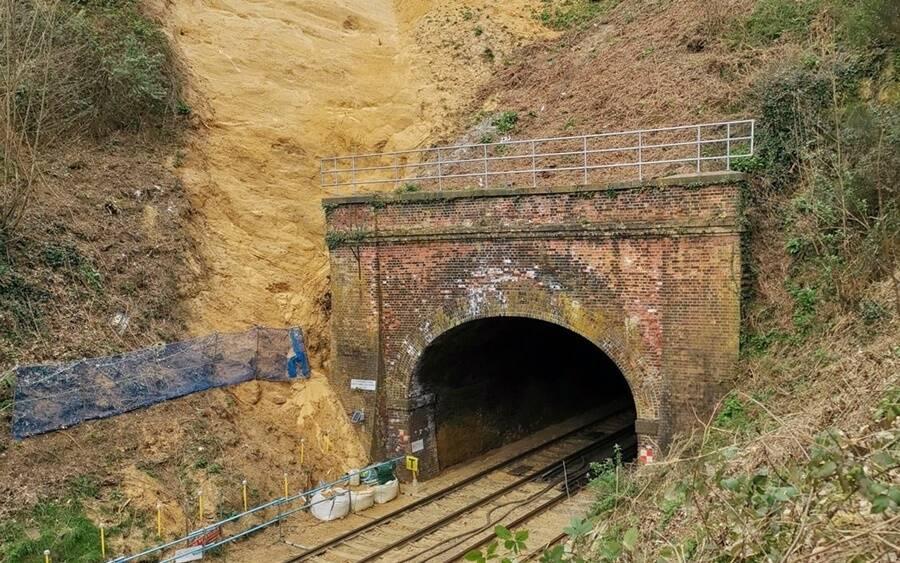 Entrada do túnel que abriga antigo santuário medieval