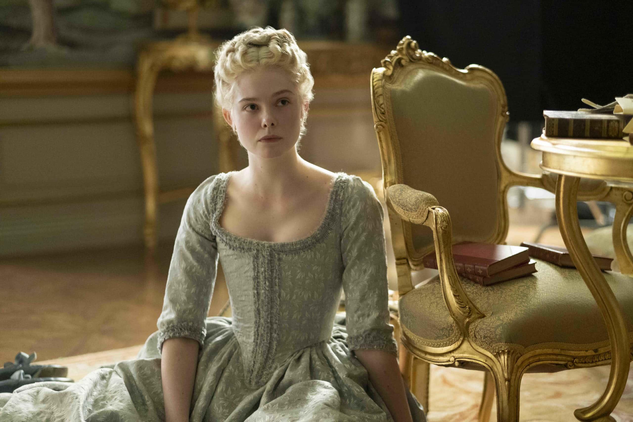 Elle Fanning vive Catarina, a Grande em The Great (Hulu/Reprodução).