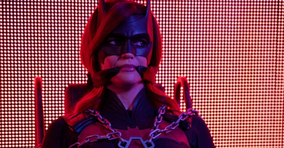Após um bom tempo de espera, próxima missão da Batwoman vai ser complicada