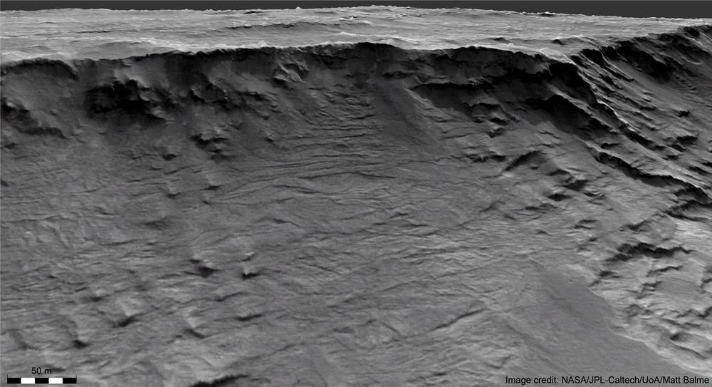 As faces do penhasco preservam rastros de rios ativos há 3,7 bilhões de anos.