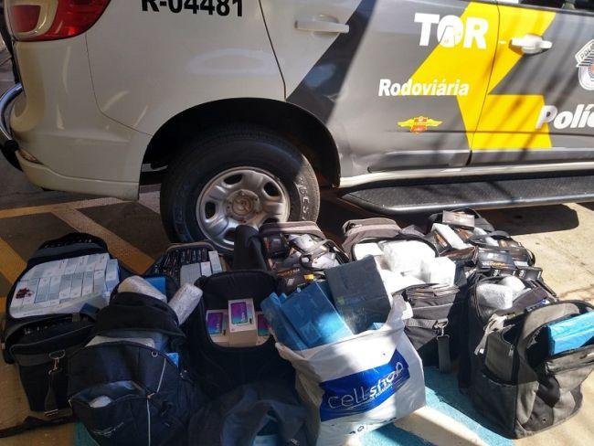 Os produtos estavam escondidos em 10 bagagens no interior do ônibus.