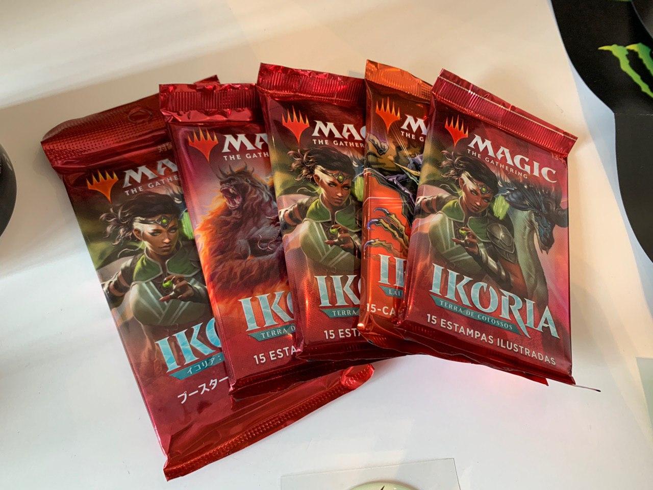 Magic físico: Ikoria estreia com novas mecânicas, 274 cards e Godzilla
