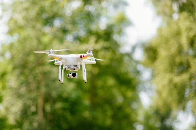 Usado para vários objetivos hoje em dia, o primeiro drone foi inventado com fim militar