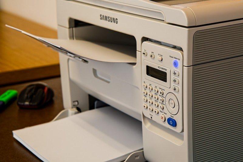 Impressoras a jato de tinta não emitem materiais particulados e, portanto, não oferecem riscos à saúde
