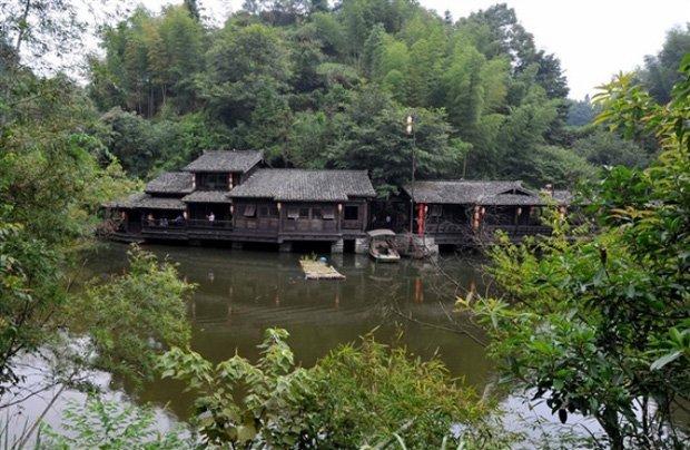 O belíssimo vilarejo de Ding Wuling, na China. (Fonte: Oddity Central/Reprodução)