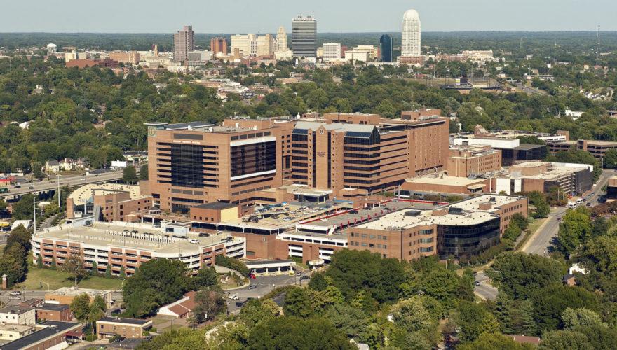 O centro médico onde os cientistas trabalham. (Fonte: Wake Forest Baptist Health/Divulgação)