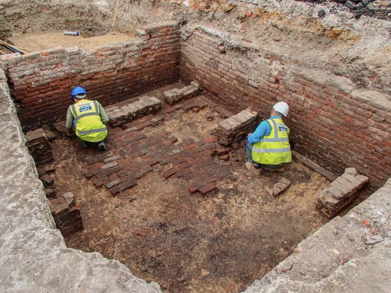 Estrutura de teatro utilizada por Shakespeare pode ter sido descoberta em Londres. (Fonte: Archaeology South-East - UCL)