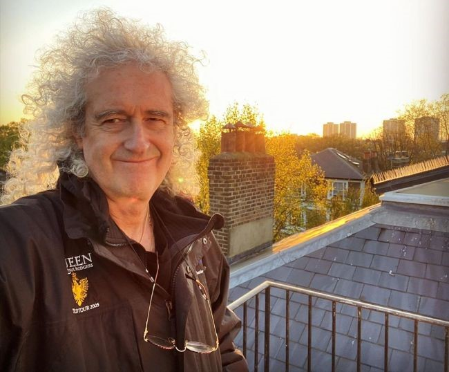 Brian May, guitarrista da banda Queen e astrofísico, é um dos idealizadores do projeto.