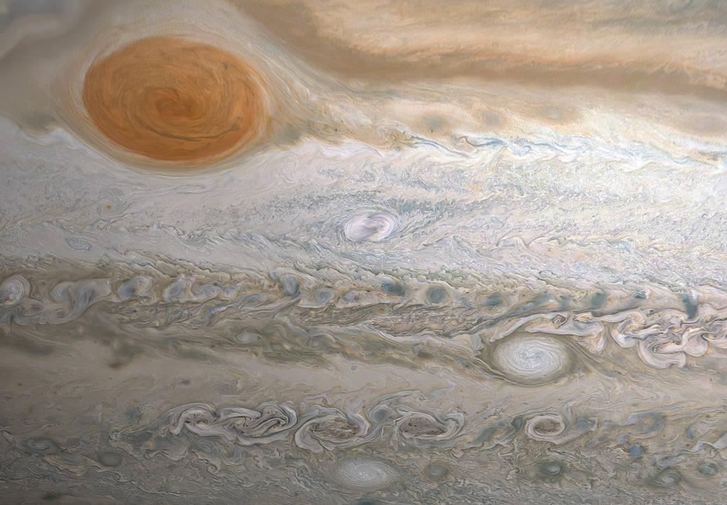 A mancha de Clyde fica abaixo e à direita da Grande Mancha Vermelha (Fonte: NASA/Reprodução)