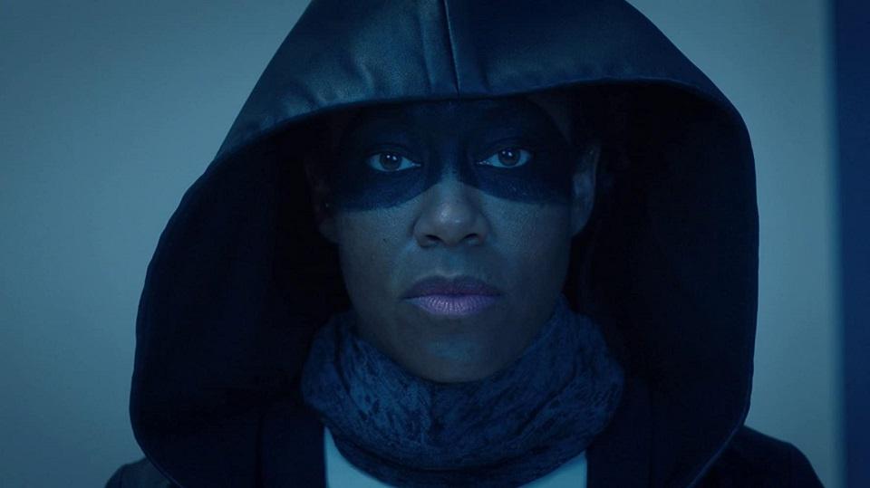 Regina King interpreta Angela Abar na série Watchmen. (Reprodução)