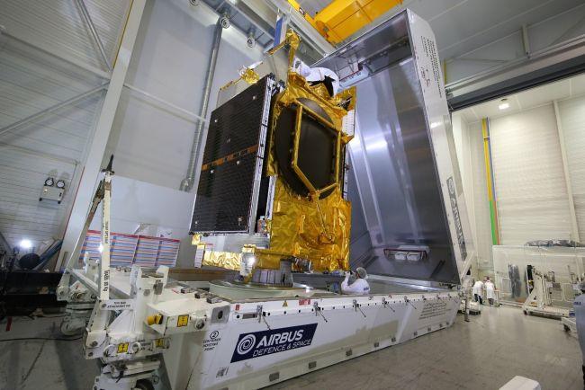 O satélite foi construído pela Airbus Defence and Space.