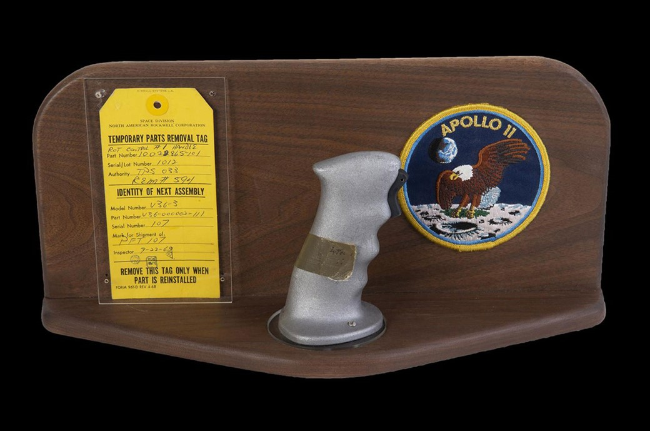 O controle de Buzz Aldrin (Fonte: Space.com/Reprodução)