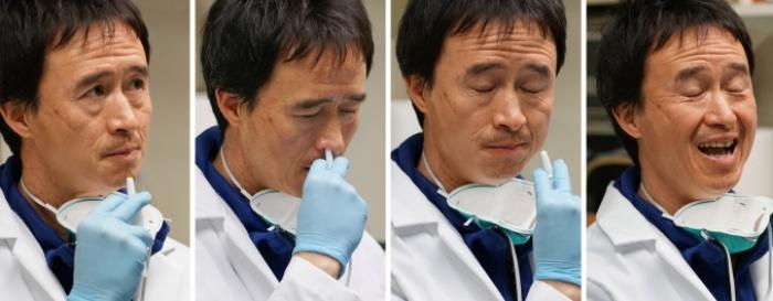 Um dos integrantes do grupo, o pesquisador Don Wang já administrou o imunizante em si próprio.