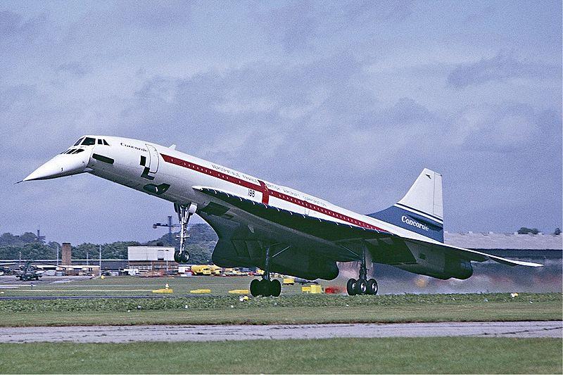 O nariz do Concorde baixava para não atrapalhar em pousos e decolagens (Fonte: Wikimedia Commons)