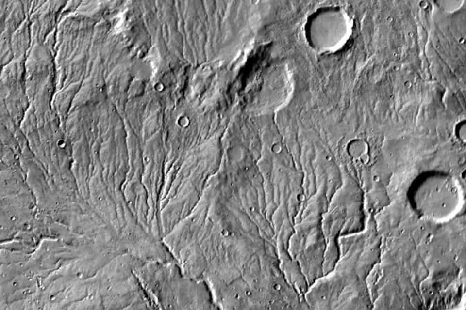 Rede de vales em Marte