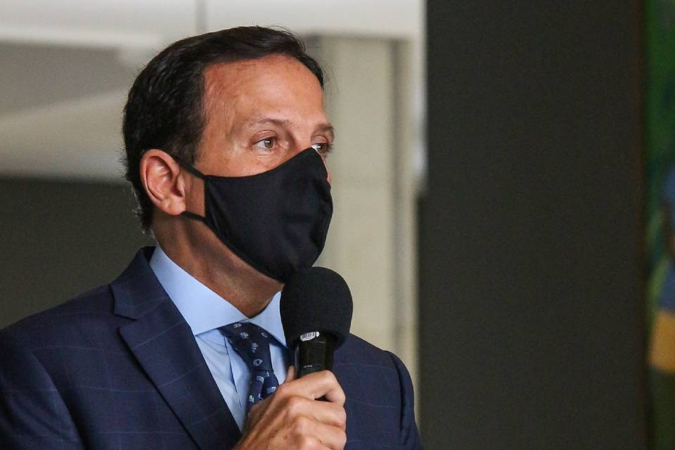 Covid-19: Brasil estará imunizado em fevereiro, diz governador de SP