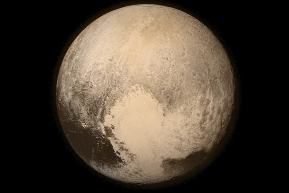 Aumento de temperatura em Plutão gera expansão de geleiras