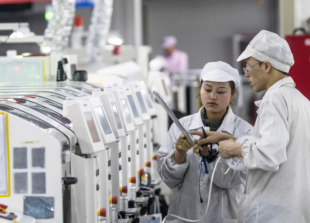 китай занимает первое место по производству