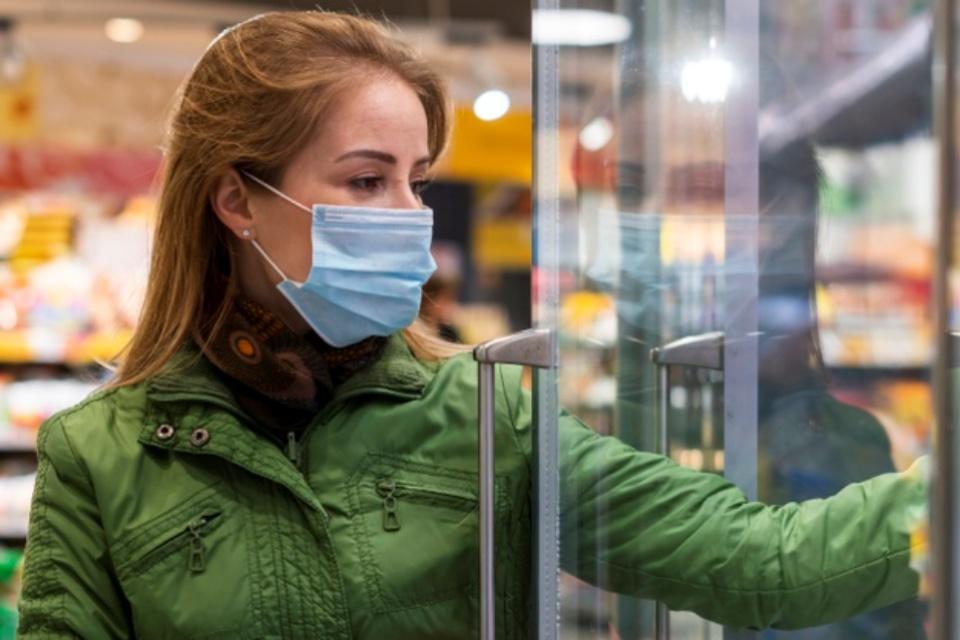 Risco de pegar coronavírus em alimentos congelados é baixo