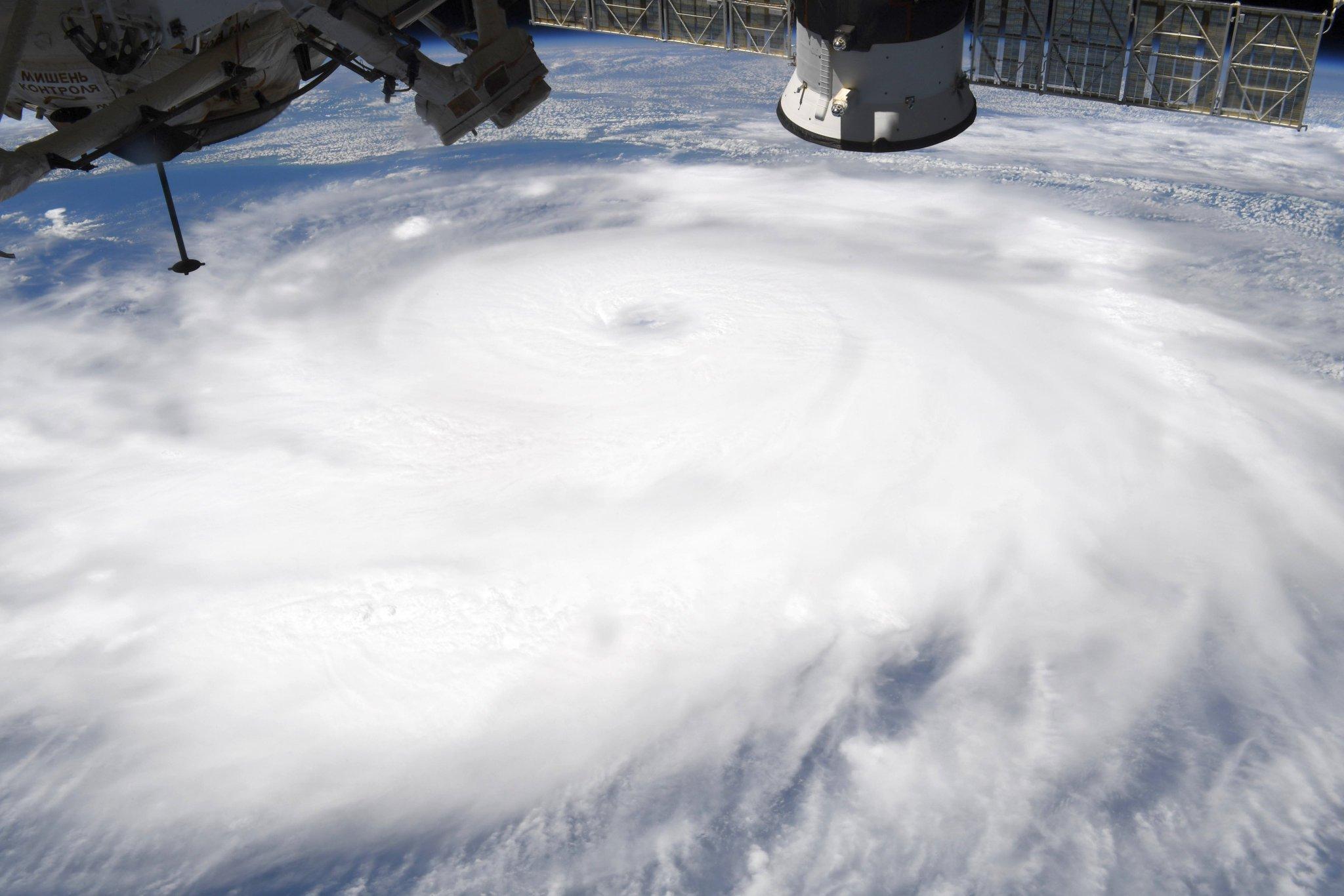 Furacão Laura visto do espaço em imagem tirada pelo astronauta Chris Cassidy, a bordo da Estação Espacial Internacional. (Fonte: Chris Cassidy/Reprodução)