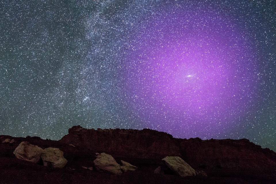 Via Láctea e Andrômeda já se tocam no espaço