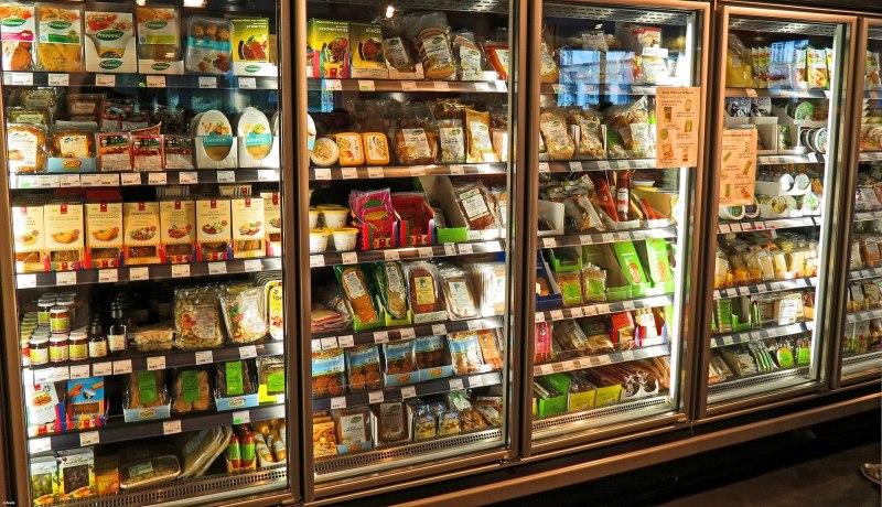 Alimentos congelados podem manter o vírus ativo por mais tempo, mas dificilmente a ponto de causar infecções