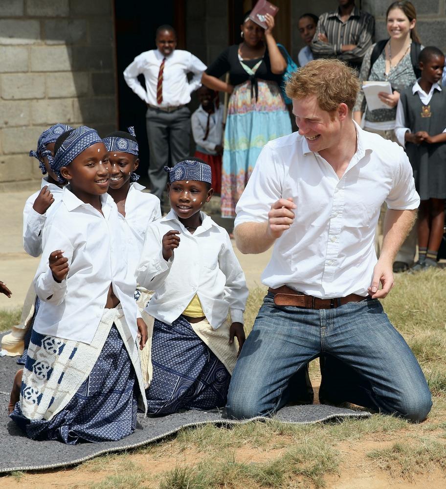 Enquanto a expectativa no Reino Unido é superior a 80 anos, no Lesoto ela não chega a meio século.