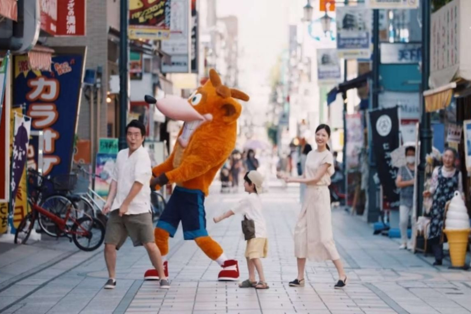 Japão lança trailer live-action hilário de Crash Bandicoot 4