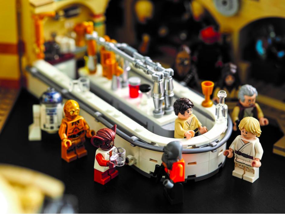 O conjunto vem com o bar, para seus humanos e aliens tomarem uma (os droids não, eles ficam de fora...) (Fonte: LEGO/Divulgação)
