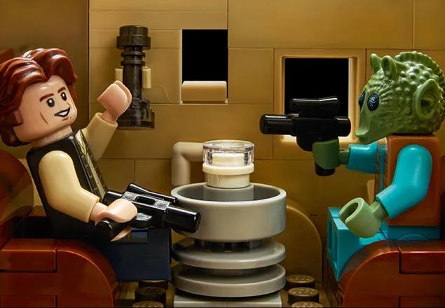 Assim, você pode recriar suas cenas favoritas. E aí, quem atirou primeiro? (Fonte: LEGO/Divulgação)