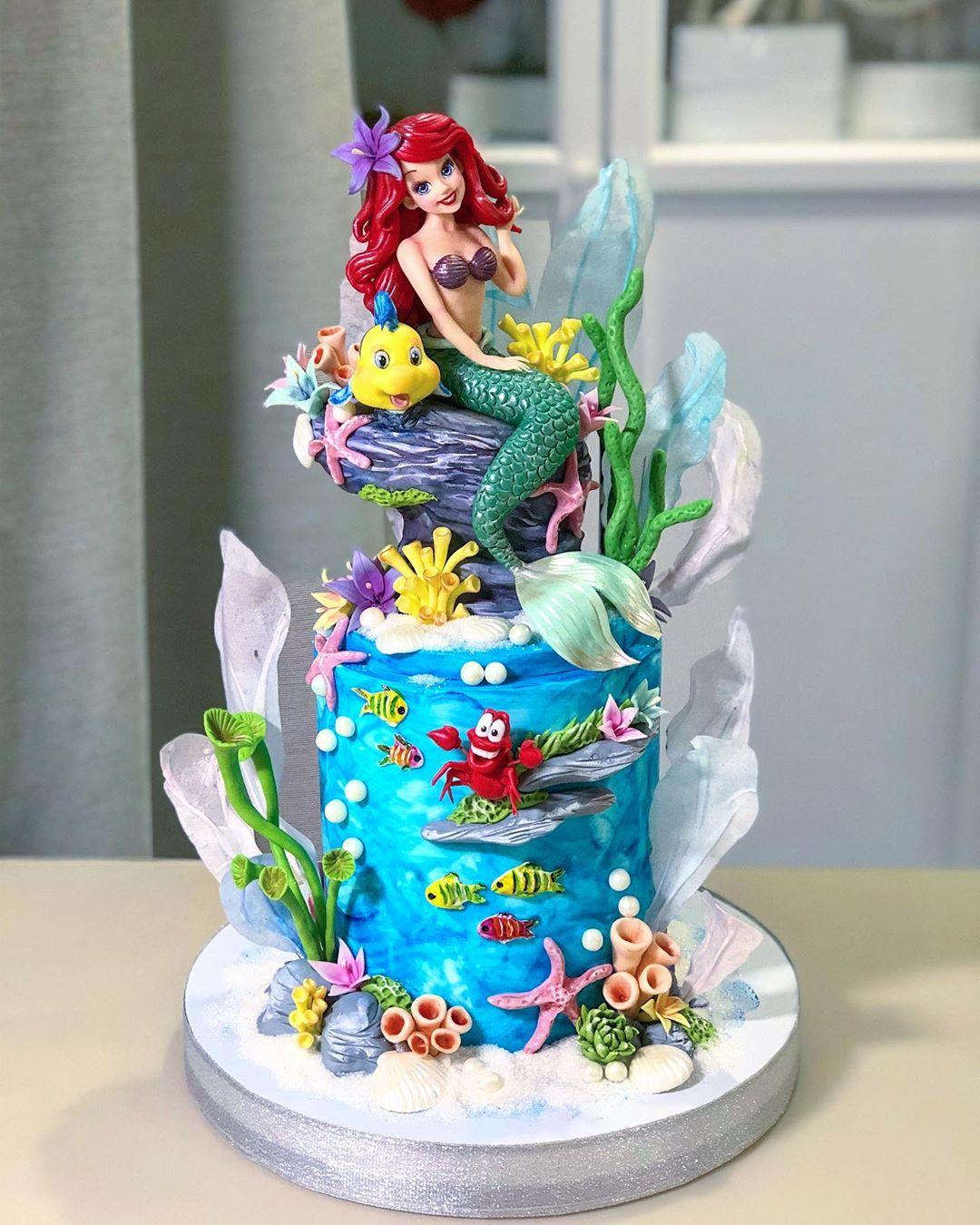 Você teria coragem de destruir esse bolo para comê-lo? (Fonte: Instagram/Reprodução)