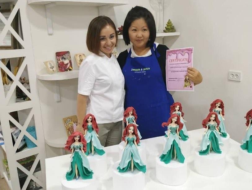 Muitas pessoas buscam os cursos de Dilya para (tentar) fazer bonecos como os dela (Fonte: Instagram/Reprodução)