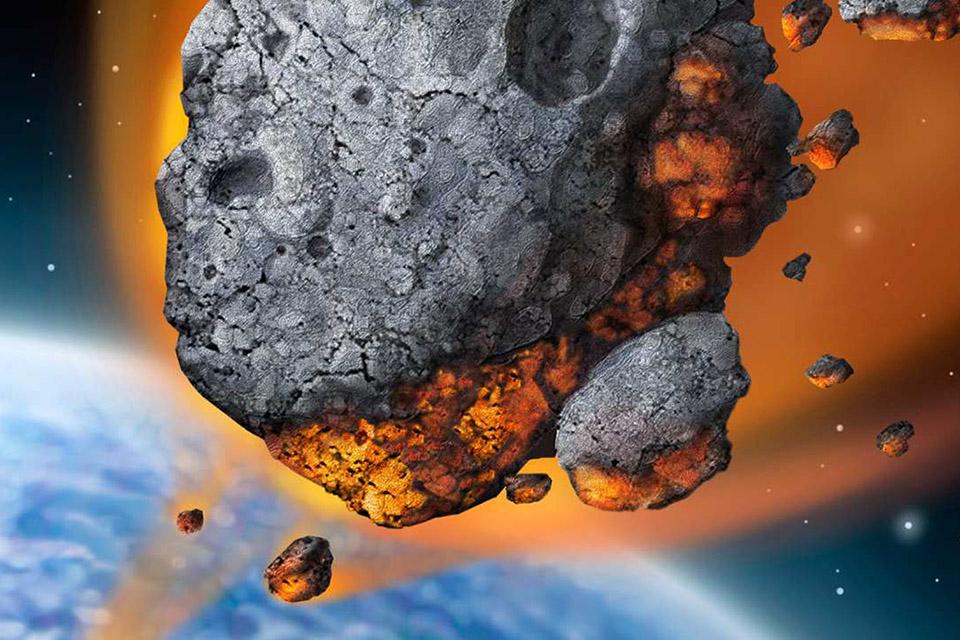 Asteroide maior que campo de futebol passa próximo à Terra hoje