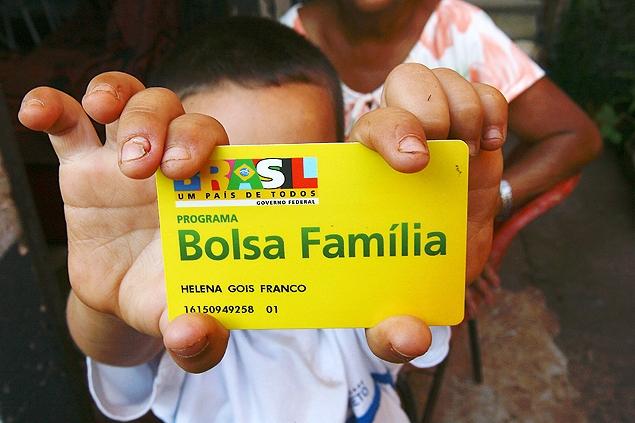 Inscritos no Bolsa Família serão os primeiros a receber a extensão do auxílio emergencial.